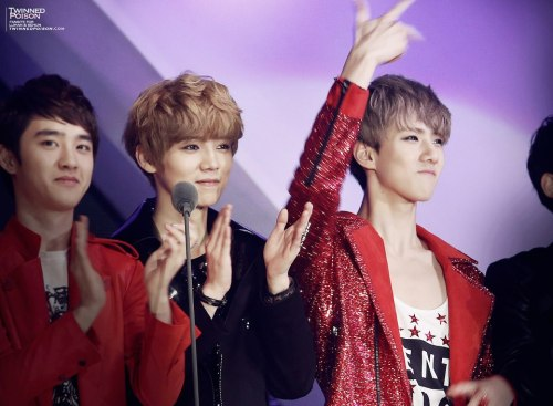 exoexoboyfriend:  cr: twinned poison  luhan with his lover sehun :D