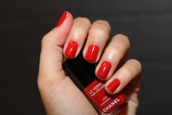 Glam Red Chanel nail polish x