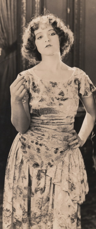 clarabowarchive:  Smoking Style ☆ Clara Bow ☆ Black Oxen (1923) ☆