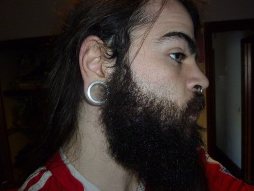 My beard looks good from the side!