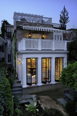 georgianadesign:  Capitol Hill townhouse renovation, DC. Thorsen Construction.