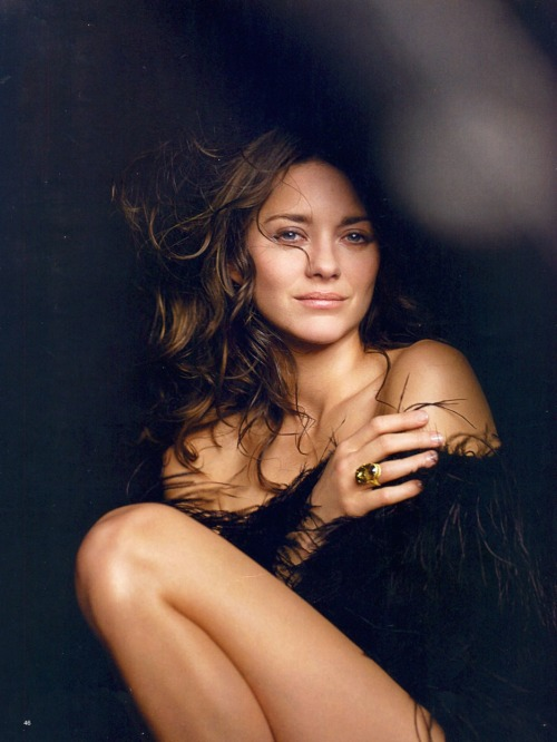 mavickk:  Marion Cotillard. Can't get enough of her.