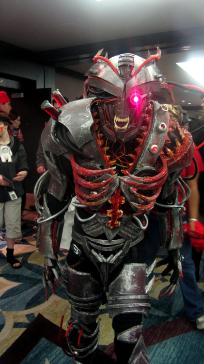 Weekend epic cosplay: Cybernetic demon Made by DeviantArtist Twohornsunited. Wow. Via