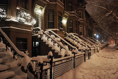 bluepueblo:  Snowy Night, Brooklyn, New York photo via pamela