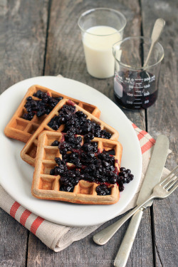 fyeahnomnoms:  Cinnamon Teff Waffles with Blueberry Compote by Xiaolu // 6 Bittersweets on Flickr.