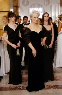 waltznumberone:  ladies in black