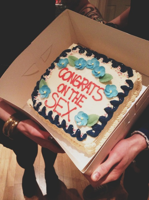 sweetest—siin:  lol i need to make my bff this cake.