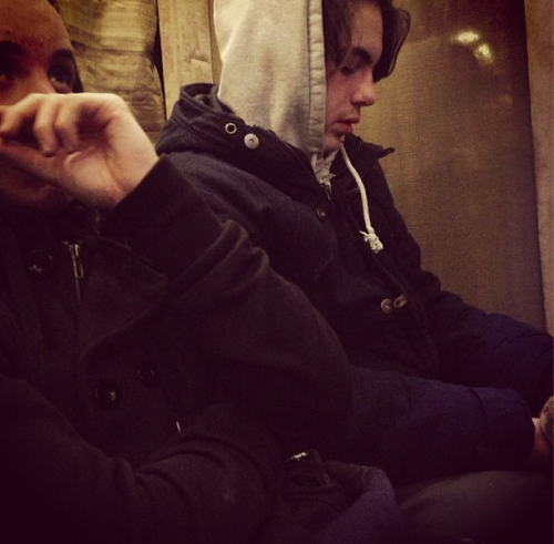 @justinbieber: @ryanbutler and Chaz if you look close u can see Chaz holding Pac
