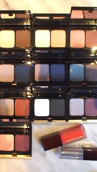 evachen212:  my stash of eyeshadow just exponentially increased, thanks to a Saturday delivery from Kevyn Aucoin. his pigments are beautiful, by the way. def worth trying