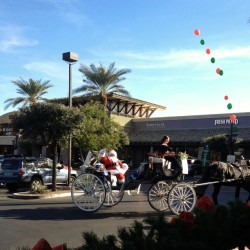#Santa #Claus rolling #AZ style. Palm Trees and 75 degrees.  (at AJ's Fine Foods)