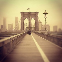 Brooklyn Bridge in #Sepia #FromBrooklyntoManhattan #NewYorkCity #Skyline #Tourists #ASaturdayWellSpent #explore_community #explore_nyc #explore_brooklyn  (at Brooklyn Bridge)