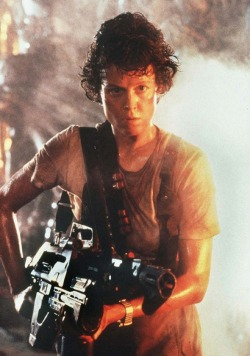 zofizompie:    gilmoure:    demonsee:    Ellen Ripley    It would be so cool to grow to be Ripley. Except for all the dying, and aliens, and space yuppies.    lempari leffojani <3 <3 <3