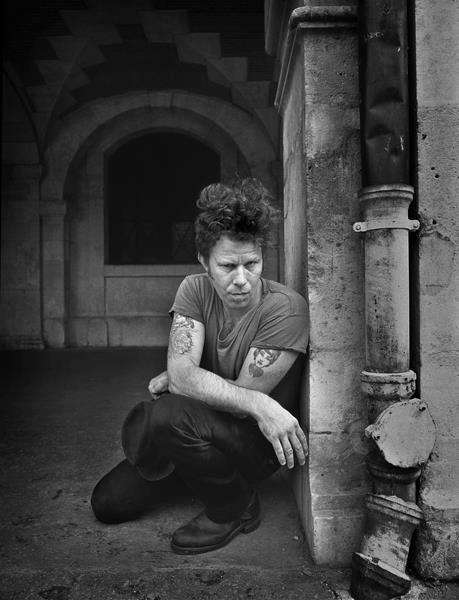 Tom Waits by Derek Ridgers