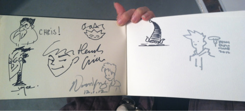 yoyonaki:  Got my sketchbook signed by the visual dev artists for ROTG! I should've bought the book week ago but I can just look at this and the signatures will help me improve (kind of like confidence boost) Buh time to go home and do finals D':