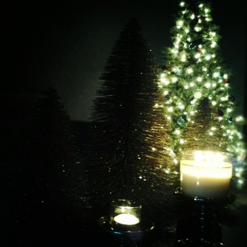 I love this time of the year #christmastree #christmas #design (at My pad)