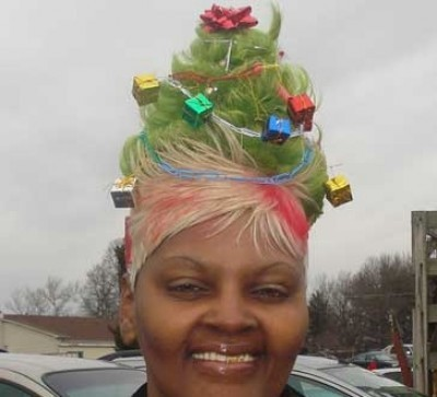 yesimheretoo:  whatsacanada:  o christmas weave o christmas weave how lovely are your extensions  YOU BETTAH WERQ!