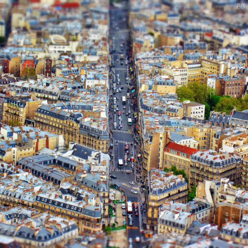 travelingcolors:  Tiny Paris (by Alexandra Petrova)