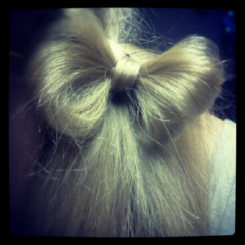 Made a hair bow in mama's hair it's so cute and looks soo cool!