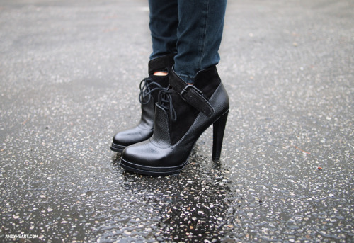 what-do-i-wear:  ALEXANDER WANG BOOTS (image: andyheart)