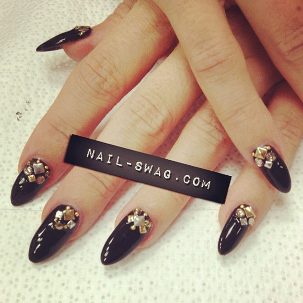 THE ELECTRA NAIL for @carmenelectra!!!!!! #nailswag #nails #nailart #nailartclub #swag #LA