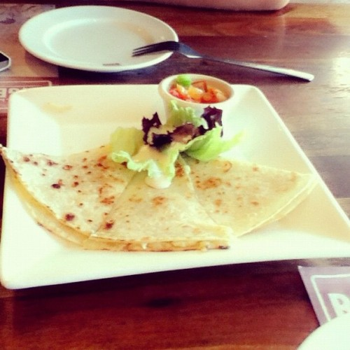 Forever love #quisadillas 😍  #food #lunch #sunday 🍴 #yummeeh 😍  (at Bigby's Cafe & Restaurant)