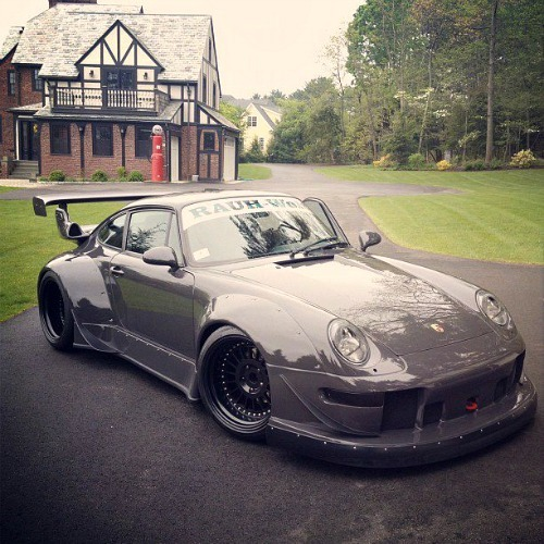 redlineandrice:  Rauh-Welt Begriff Porsche. The perfect mix of Japan & Euro Tuning  source