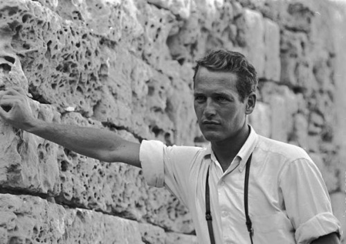 countryjade:  birdcagewalk:  wehadfacesthen:Paul Newman in Jerusalem during the filming of Exodus, 1959  reblogged - again.