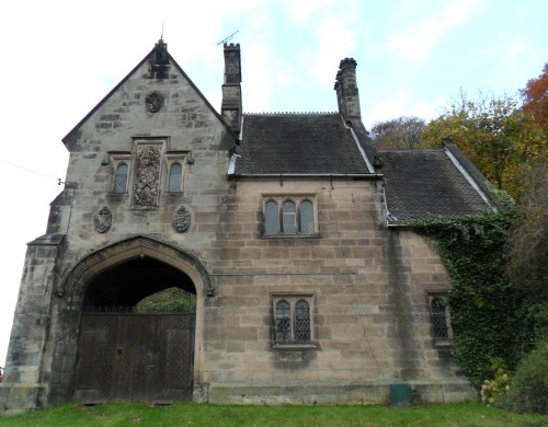 vwcampervan-aldridge:  Gate House for Alton Castle, the original Alton Towers, Alton, Derbyshire, England.