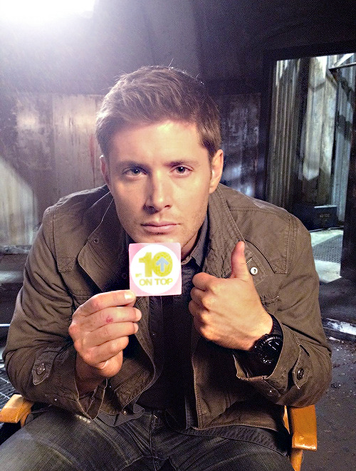 destieliscanonbitches:  (x) VOTE FOR JENSEN AT THE PCAs (Favorite Dramatic TV Actor)  DAMN!!  he is so sexy.
