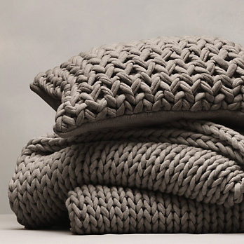 childbearinghip:  I've fallen in love with this chunky hand knit throw in 'smoke'!