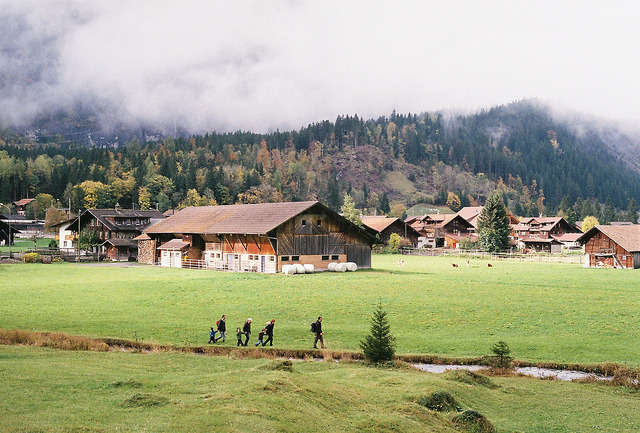 yonliveonce:  Turismo rural. by abran fuego on Flickr.
