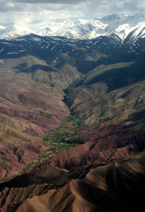 definitelydope:  Bamyan valley (by Madame Knipse)