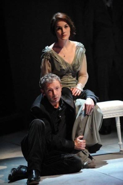 alwaysiambic:  John Simm (Hamlet) and Michelle Dockery (Ophelia) in the Sheffield Crucible's 2010 production of Shakespeare's Hamlet.