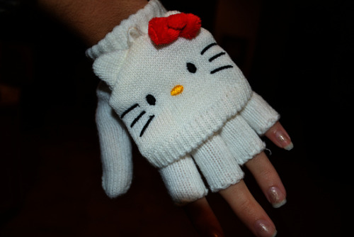 Hello Kitty Fingerless Gloves