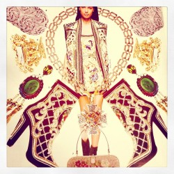dannijo:  just a little morning #inspiration via @flarefashion #broomeearrings