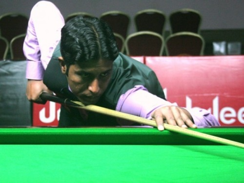 Muhammad Asif victorious in World Snooker Championship finals BULGARIA: Pakistani cueist Muhammad Asif won the IBSF World Snooker Championship finals, beating his opponent, England's Gary Wilson. Asif maintained a strong lead against Wilson,  being up 6-3 at the break. Asif had earlier sailed into the IBSF World Snooker Championship finals, crushing Malta's Alex Borg, seven frames to one and secured his place in the final. He had reached the semi-finals after beating Syria 6-2. The Pakistani cueist had triumphed against Australia's Vinnie Calabrese 5-0 in their last 32-match played on Friday in Sofia, Bulgaria. Asif showed great confidence as he beat Calabrese 63-40, 115-14, 69-65, 67-55 and 67-15. Asif remained unbeaten in the tournament.  Follow us on Facebook | Twitter or Submit something or Just Ask!