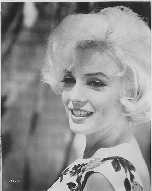 1962: Marilyn on the set of 'Something's Got to Give'.