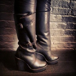 evachen212:  shearling genius: @mt_carney's new @pierrehardynews boots