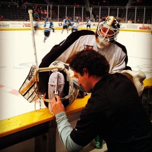 ahlbruins:  Niklas Svedberg getting some last minute tune ups before this afternoon's tilt with Worcester. #letsgobruins