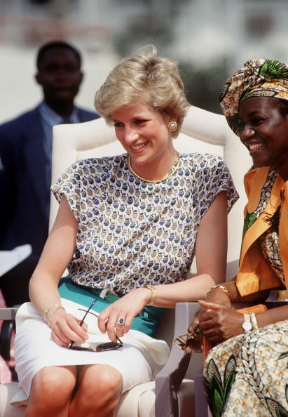 Diana in Nigeria, 1990. Photo by Tim Graham.