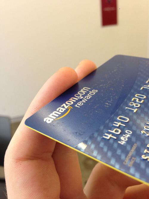 One thing I love about all of Chase's latest new card designs is the trim they put on their plastic cards. This is a great new design concept that subtlety stands out for items that are used in our everyday lives.