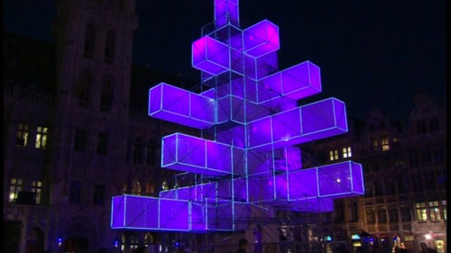 Abstract Christmas tree electrifies Brussels with spellbinding light show A tree grows in Brussels