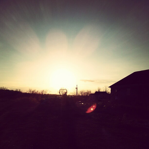 #sunshine #sunbeams #sunset_madness #sunset #sky #outdoors #country #countryside