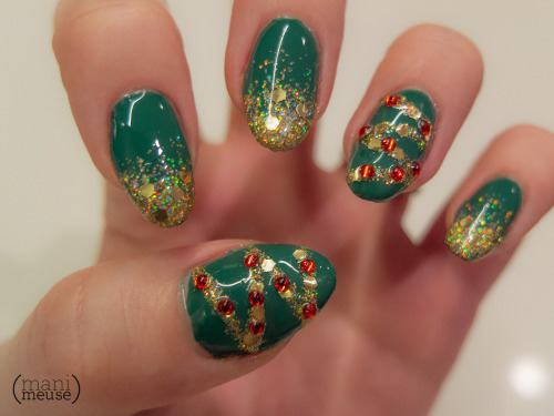 mani-meuse:   It's beginning to look a lot like Christmas…