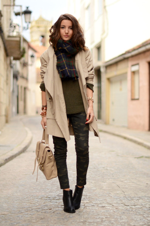 lookbookdotnu:  Extra large scarf (by Alexandra Per)
