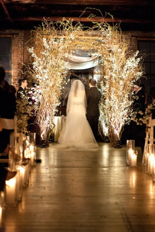 uniqueweddingdecor:  Love this feel.