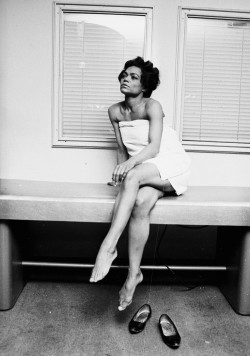 yoursunnystreets:  Eartha Kitt at the Town and Country Health Salon in London, photographed by Harry Benson, 1965