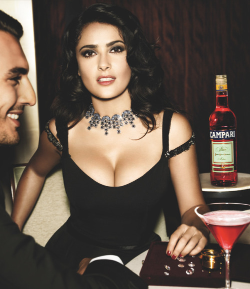 jaykardash:  kayleeeighh:  thefinestbitches:  Salma Hayek  SHE'S SO FUCKING HOT   Baby