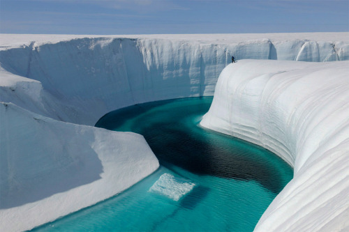 llbwwb:  birthday canyon, greenland by James Balog.