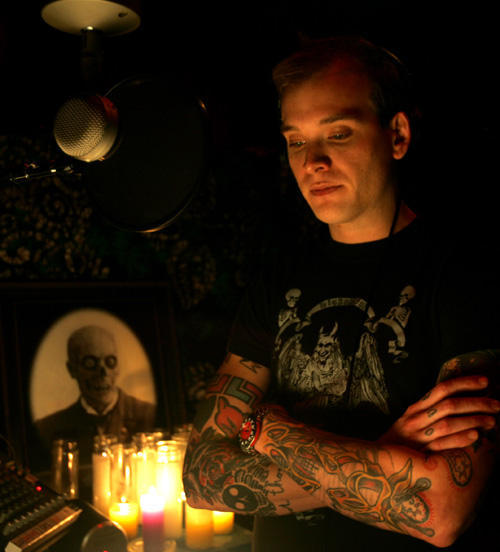 whered-alice-go:  Matt Skiba. Because there is not enough of him on my dash.